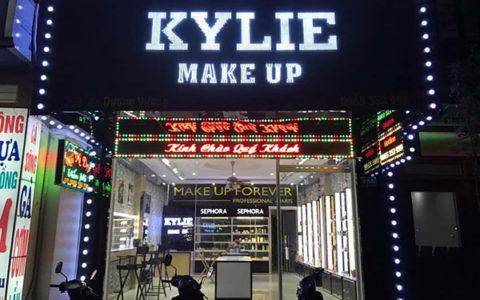 mẫu biển quảng cáo makeup